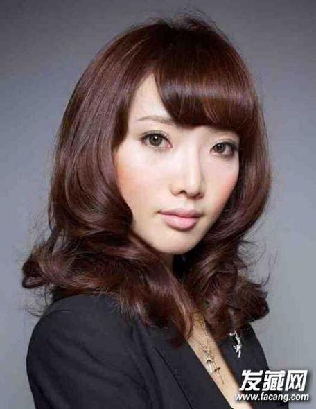 关键词:韩式中长发烫发发型