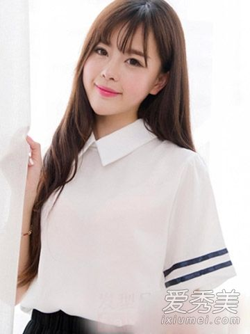 披肩长发自然飘逸,搭配空气感刘海清新透气,甜美的软妹纸发型.